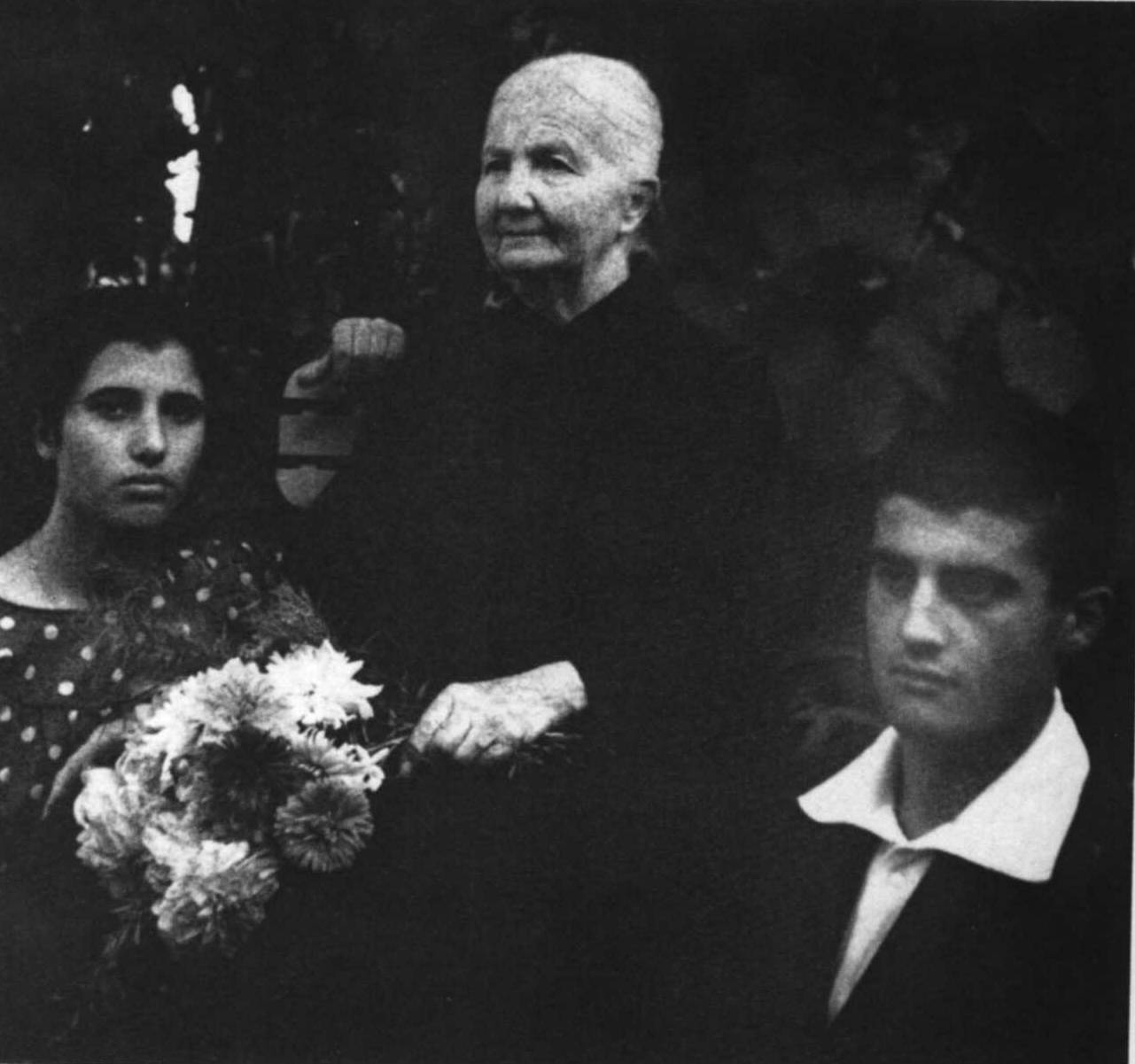 pier giorgio e Lucina com a avó materna.jpg